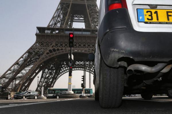 Paris veut attaquer l'industrie pétrolière en justice